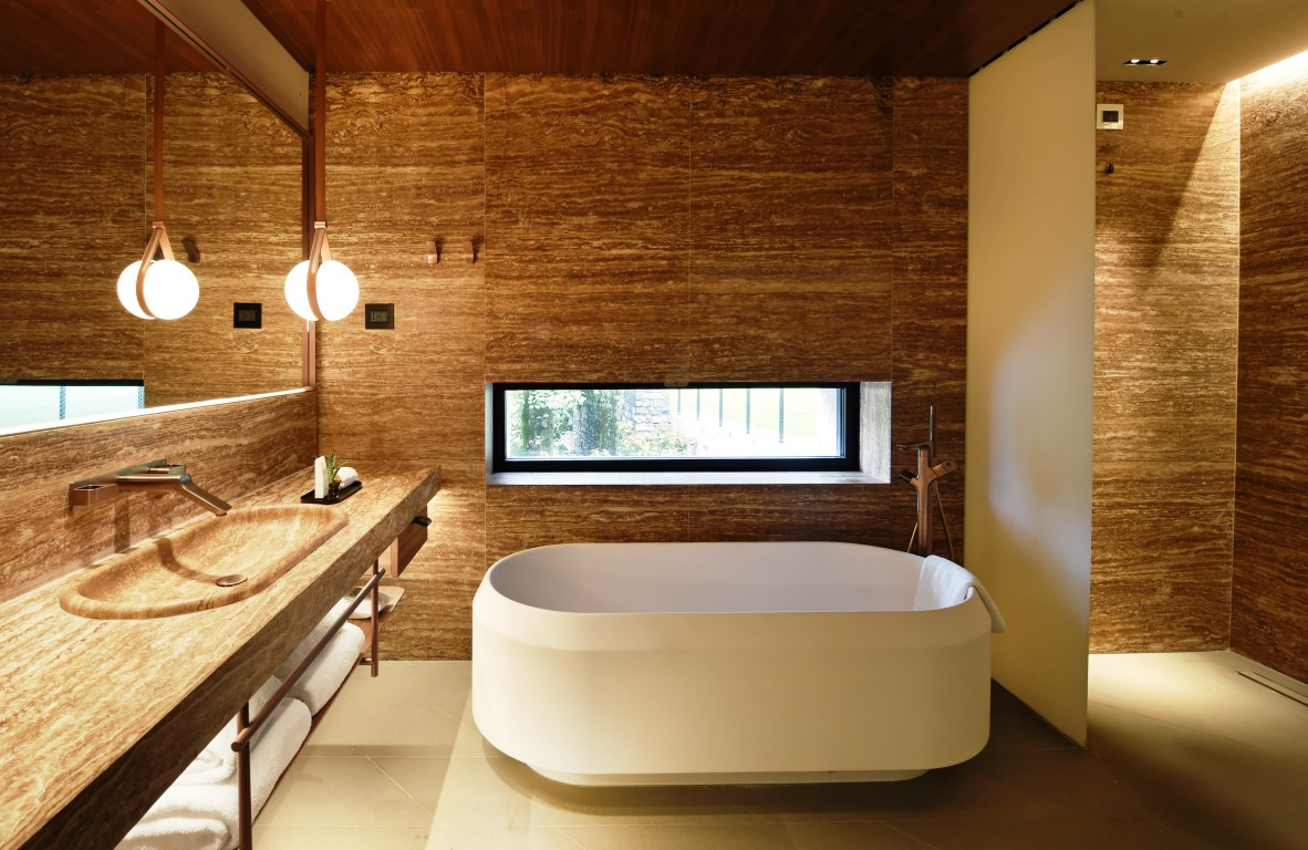 Bathroom-Corner