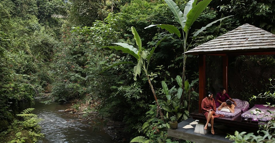 Hanging-Gardens-of-Bali-Spa-by-the-RIver
