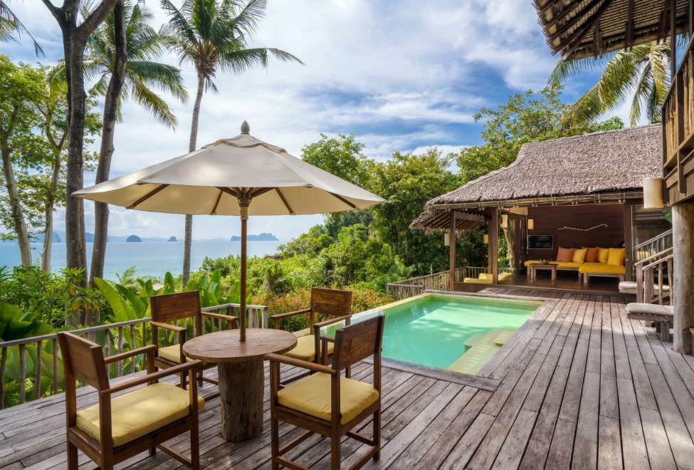 975x660_SSYNI_Beachfront_Pool_Villa_Suite_20170608_300x185