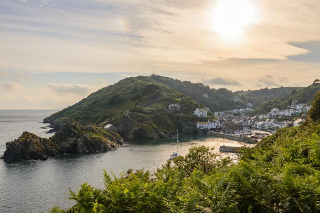 visit-the-quaint-fishing-village-of-polperro